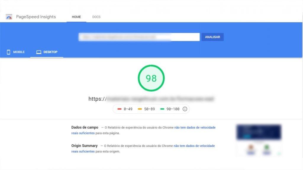 A imagem mostra um site com uma nota boa na ferramenta PageSpeed.