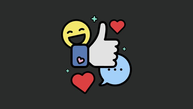 A imagem com fundo cinza escuro conta com o símbolo do cursos Social Media Marketing, o qual tem um emoji amarelo sorridente, o símbolo de curtir do Facebook, dois corações vermelhos em volta e um balão azul de conversa.